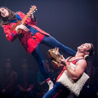 Lola Renard et Olivier Pasquet à l'Apéro cirque à l'académie Fratellini, avec la Fanfare Circa Tsuika et les élèves de l'académie. Saint Denis le 8 Novembre 2012.